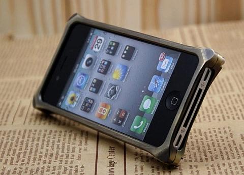 MSZQMJ с iPhone 4 внутри, фронтальный вид