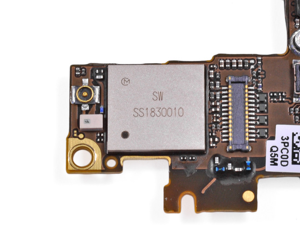 21-iPhone-4S-Toshiba-THGVX1G7D2GLA08-16-GB-24-nm-MLC-NAND-flash-memory.jpg